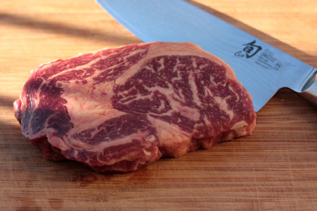 Entrecote (Ribeye) Steak Zuschnitt